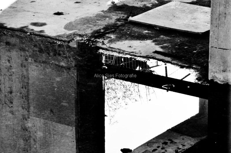 2009-10-15-11-00-01-zwart-wit-bouwput-rotterdam-2-jpg